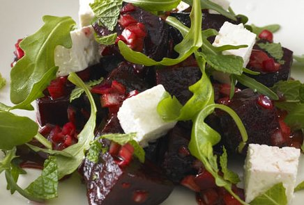 Beetroot_rocket_feta_salad_2.jpg